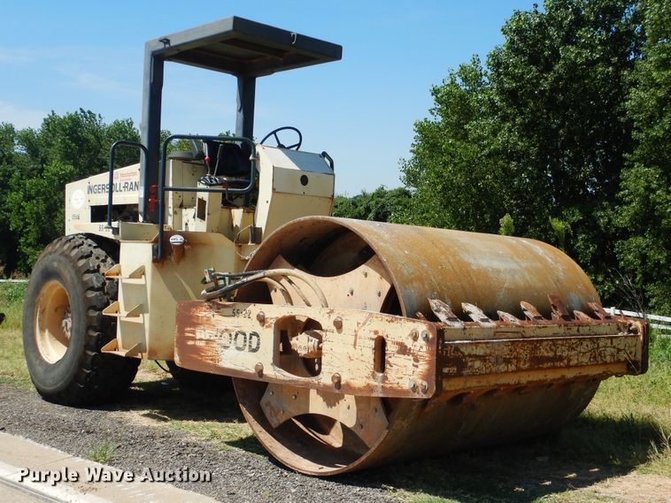 1997 Ingersoll Rand SD-100 single drum vibratory roller