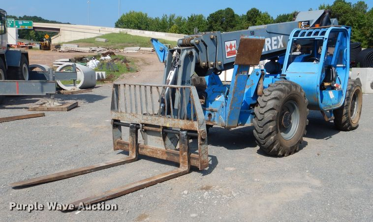 2005 Terex TH1056C telehandler