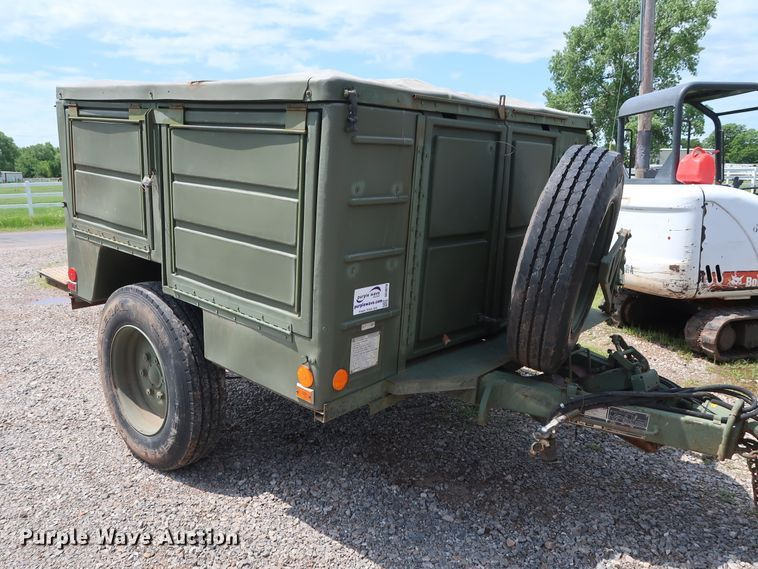2009 Utility M0103A3 utility trailer with welder