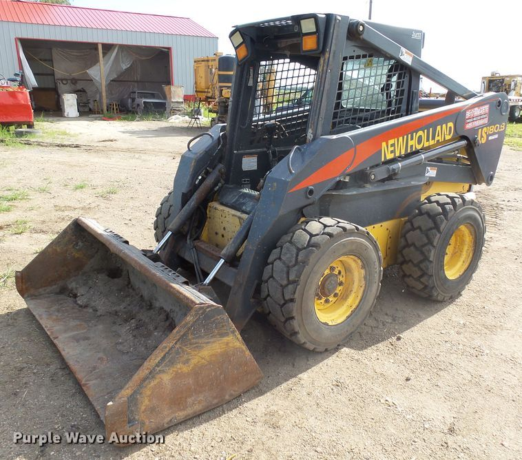 New Holland LS180B skid steer
