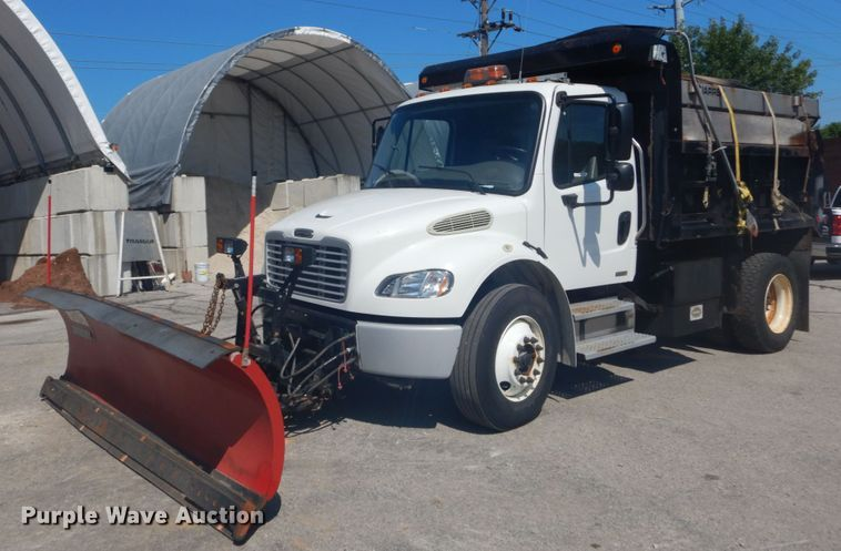 2011 Freightliner Business Class M2