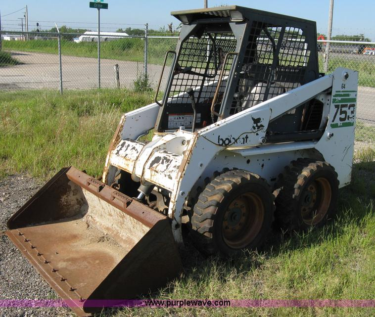 Bobcat 753 F Series Skid Steer With 5 Bucket Item 6897