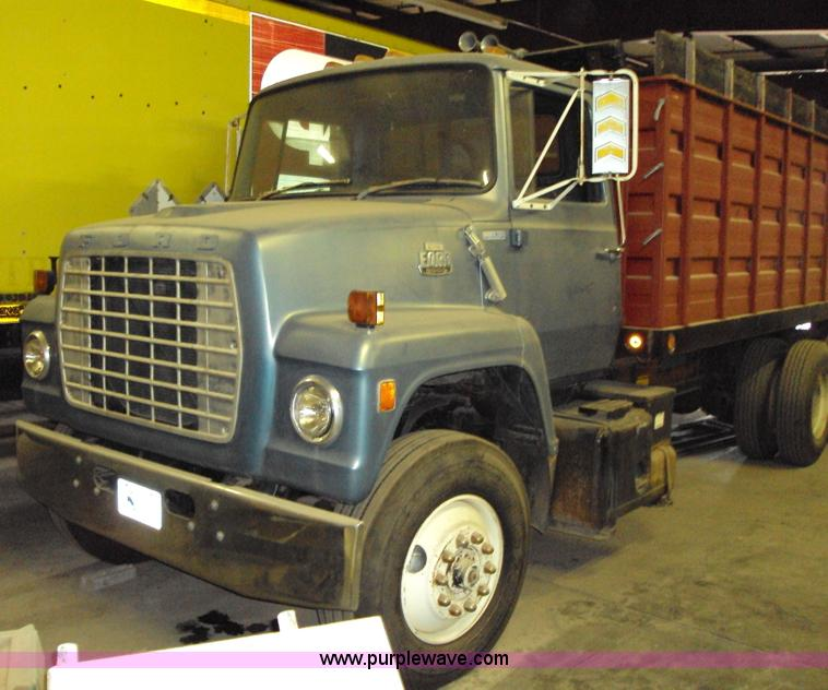 1980 ford 8000 grain truck item 1503 sold september 30 rh purplewave com Ford Log Trucks 1998 Ford Pickup Truck