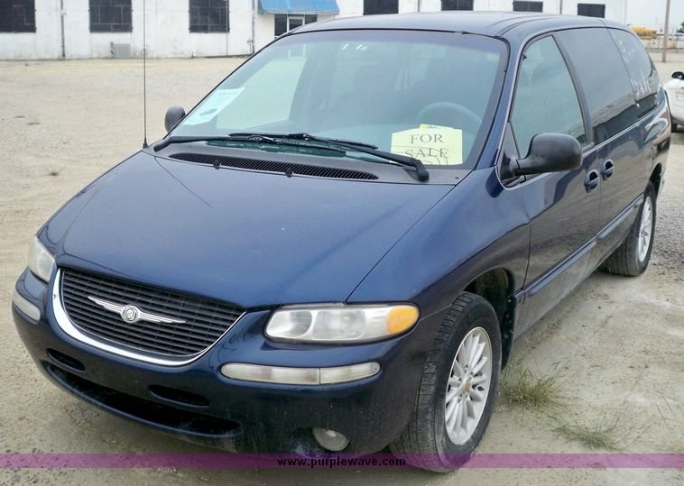 2000 Chrysler Town And Country Lx Item 6959 Sold Septem