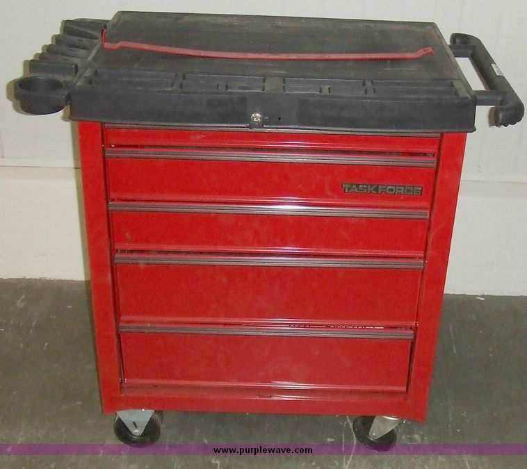 task force five drawer tool box on casters item 6024 sol rh purplewave com task force tool box replacement lock task force tool box parts