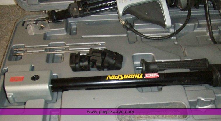 Senco Dura Spin DS300 screw gun with case and attachments |