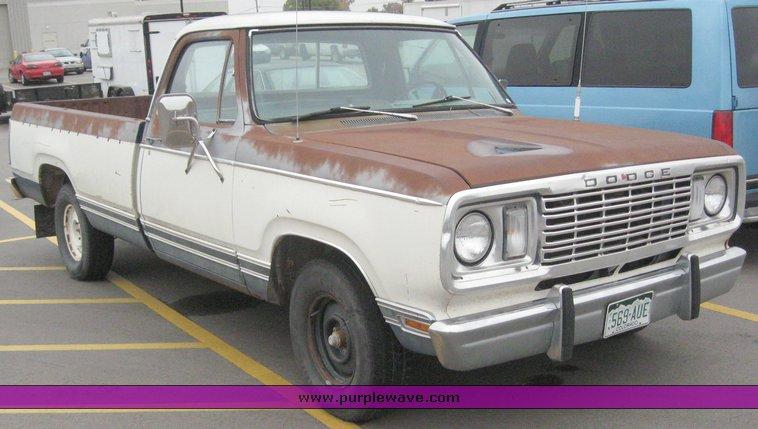 1977 Dodge pickup truck   Item 5231   SOLD! October 28 Midwe...