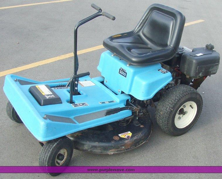 9502 image for item 9502 Dixon 3302 zero turn mower