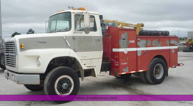 1990 ford l8000 service truck item 6887 sold november 1 rh purplewave com ford l8000 owners manual Ford L7000