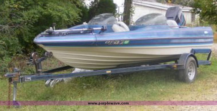 1987 Bayliner Trophy boat | Item 2018 | SOLD! Wednesday Nove