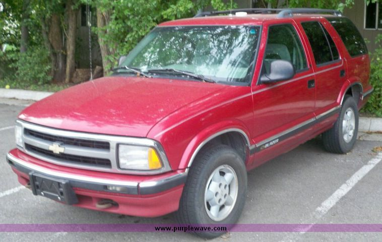1996 chevrolet s10 blazer in andover ks item 5222 sold purple wave 1996 chevrolet s10 blazer in andover