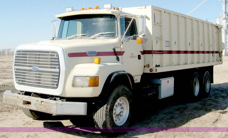 1993 Ford L8000 Tandem Axle Truck With 22 Combination