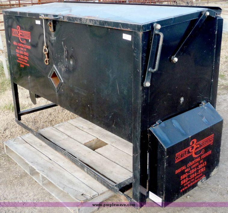 3C cattle feeder | Item 5129 | SOLD! January 27 Ag Equipment