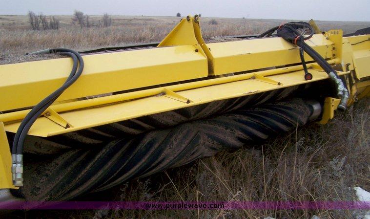 New Holland Haybine HS series 18' swather header   Item 8603