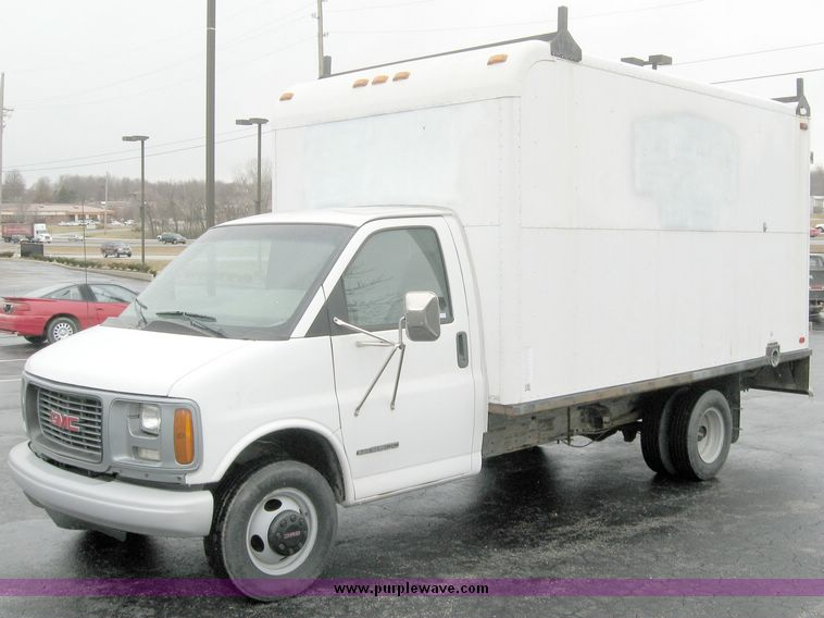 2001 gmc savana g3500 box truck in lee s summit mo item 5599 sold purple wave 2001 gmc savana g3500 box truck in lee