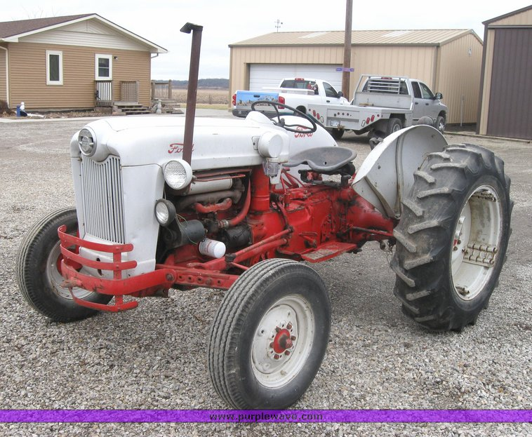Ford 800 Tractor : Ford tractor item sold march ag equipment