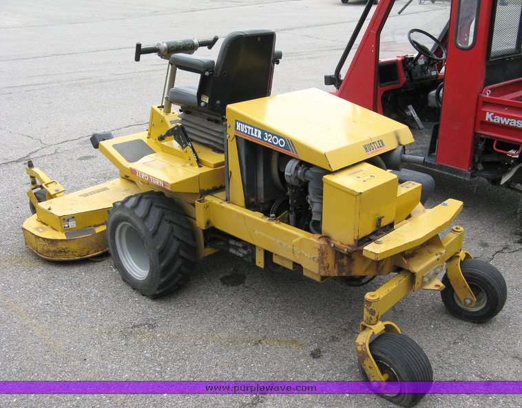 Hustler 3200 zero turn lawn mower