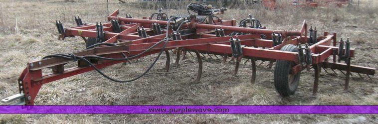 Case IH 55 chisel plow | Item 5554 | SOLD! March 31 Ag Equip
