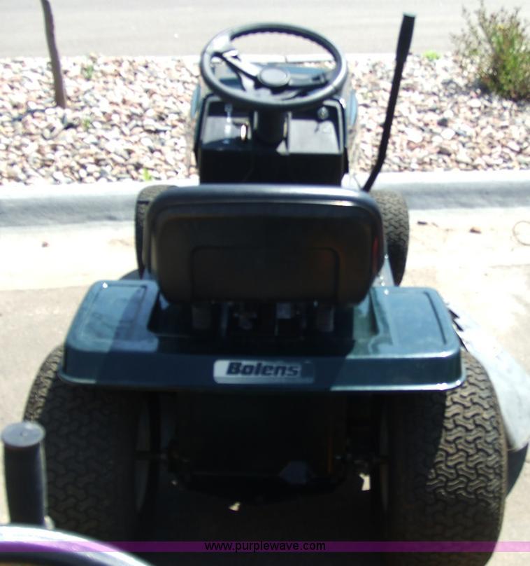 Bolens lawn tractor | Item 6838 | SOLD! April 29 Midwest Int