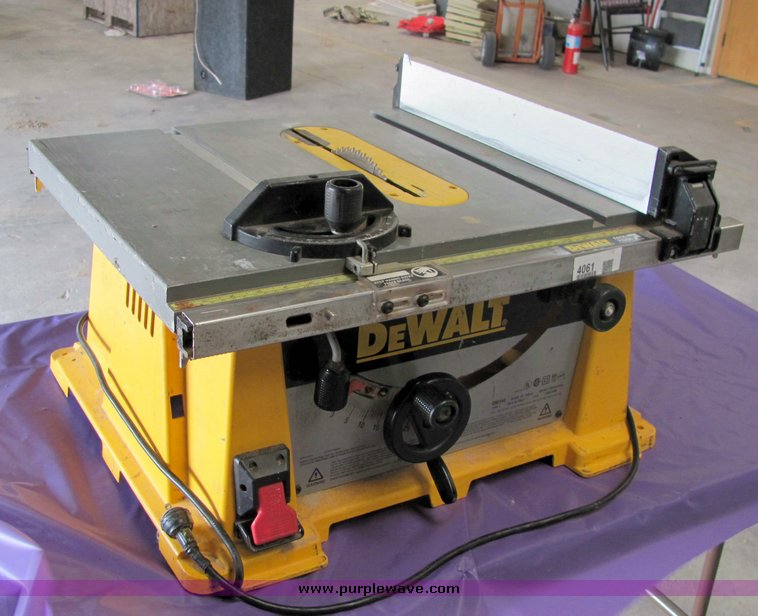 Dewalt dw744 10 table saw item 4061 sold may 12 g for 12 dewalt table saw