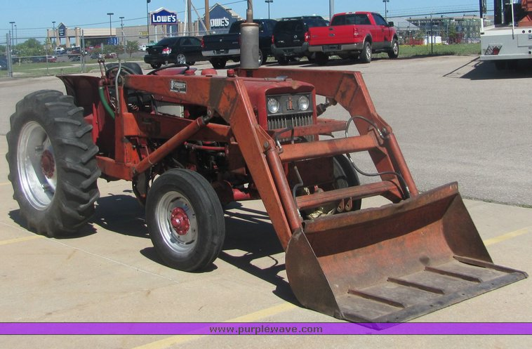 International 444 tractor with loader | Item 4484 | SOLD! Ma
