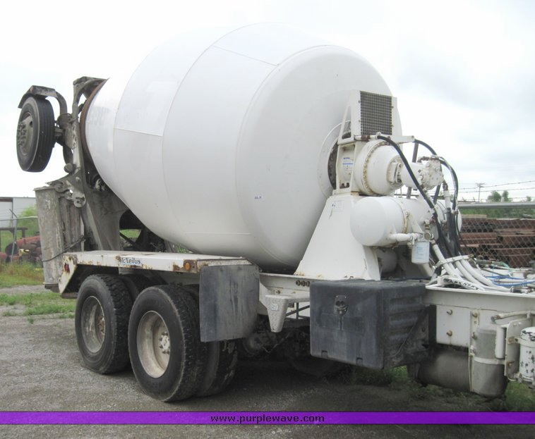 Mcneilus 11 cubic-yard mixer | Item 3932 | SOLD! May 27 Cons