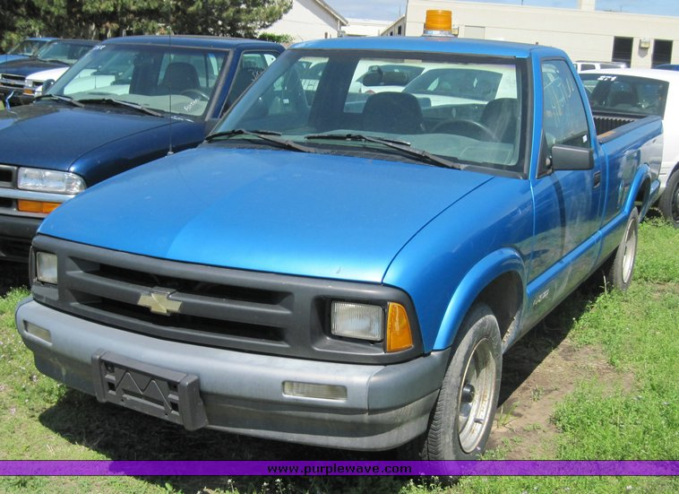 1994 Chevrolet S10 Item 3846 Sold June 9 City Of Wichit