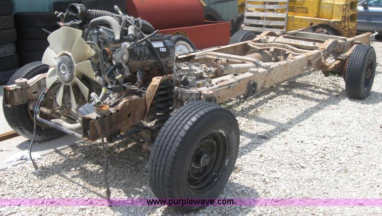 2000 Ford E350 Bluebird school bus chassis, engine, and tran