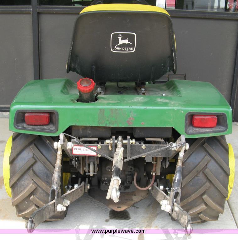 John Deere 332 >> John Deere 332 Lawn Tractor Item 5031 Sold July 14 Midw