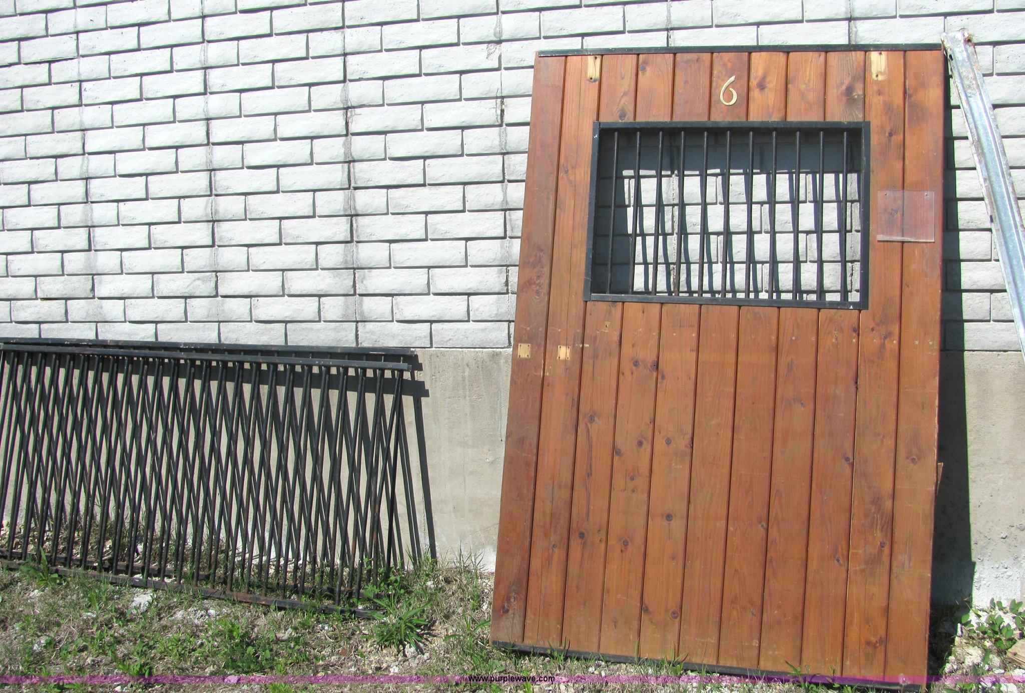 6 Pallets Of Horse Stalls In Lawrence Ks Item 4669 Sold Purple Wave