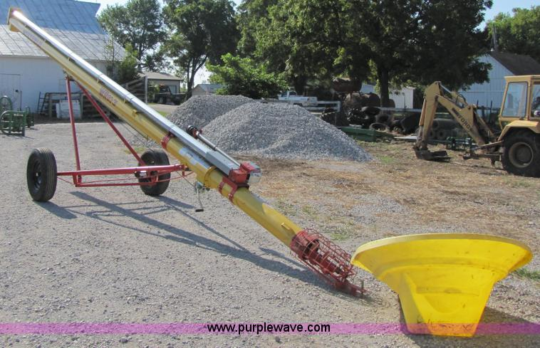 2008 Westfield WR-80-31 grain auger | Item 7207 | SOLD! Augu