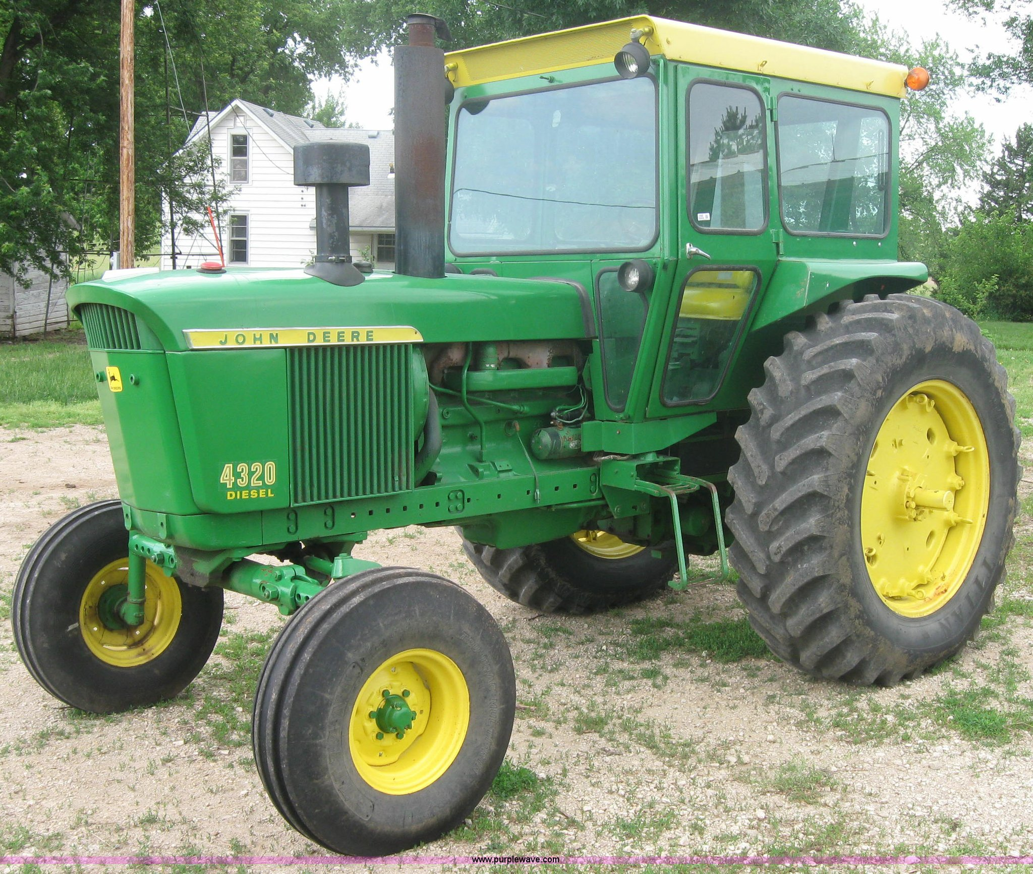 3990 image for item 3990 1971 John Deere 4320 tractor
