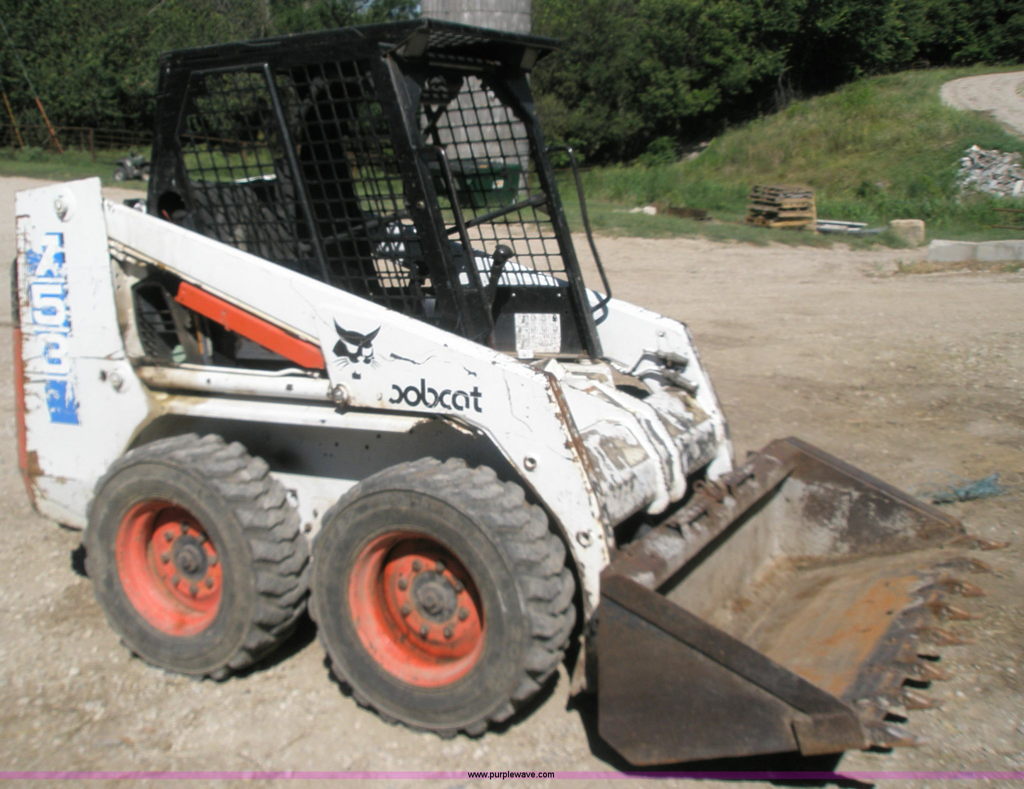 1993 Bobcat 753 Skid Steer Item 1001 Sold August 31 Con