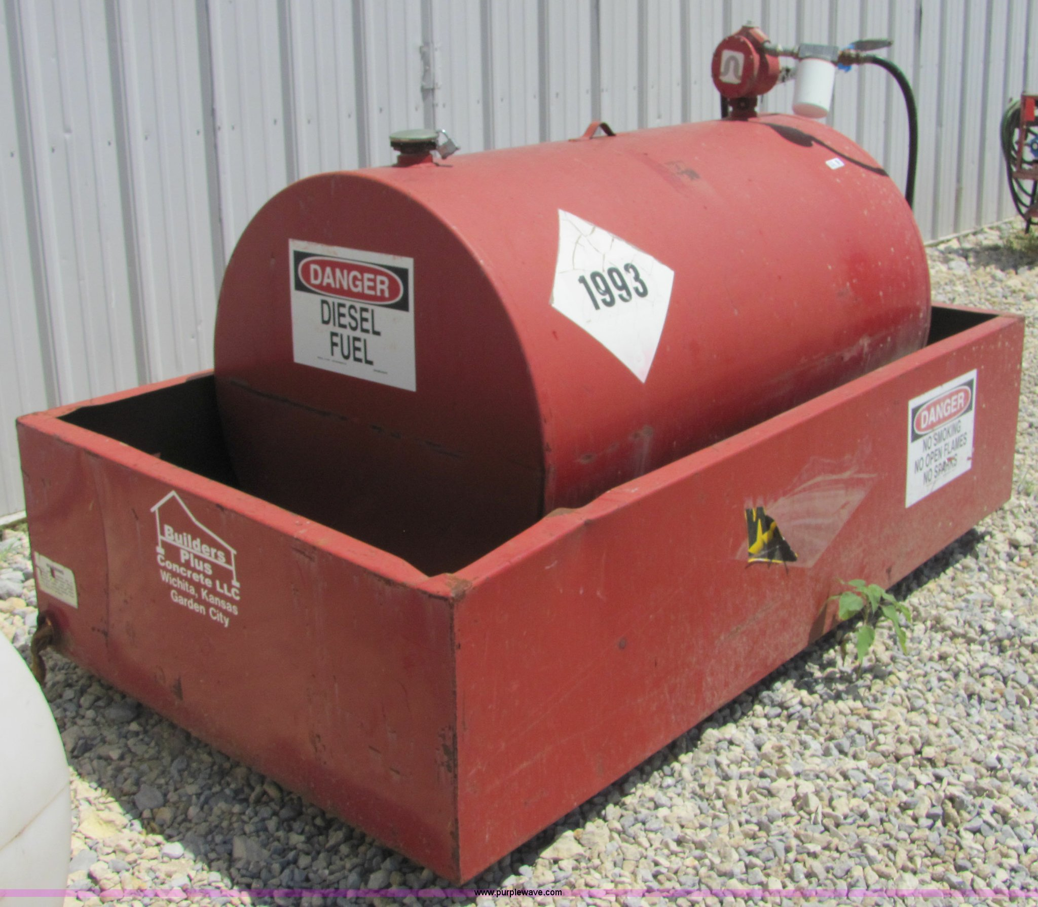 Construction Gas Tank : We mac gallon fuel tank and containment item