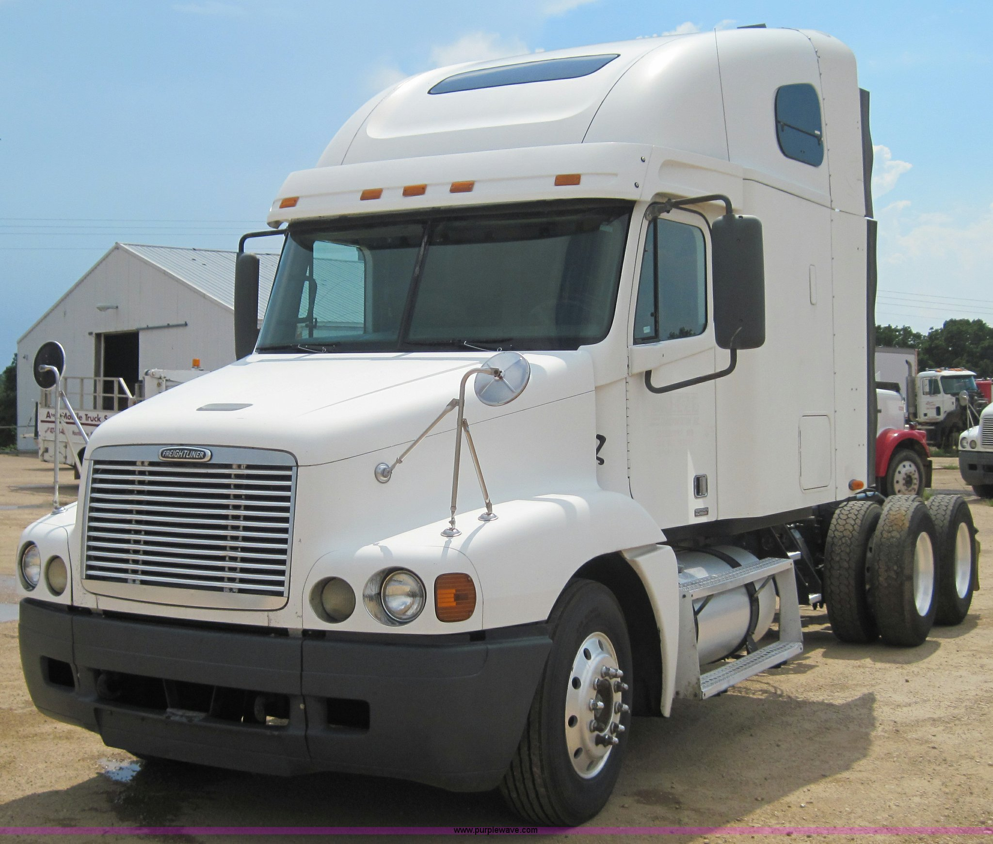 4461 image for item 4461 1999 Freightliner Century Class ...