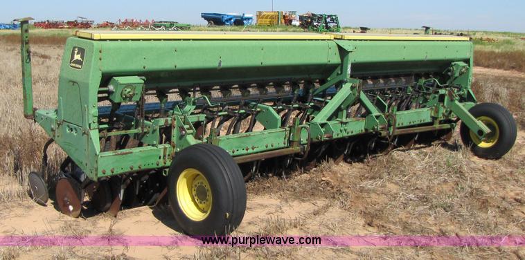 John Deere 520 Grain Drill Item 3423 SOLD September 8 W