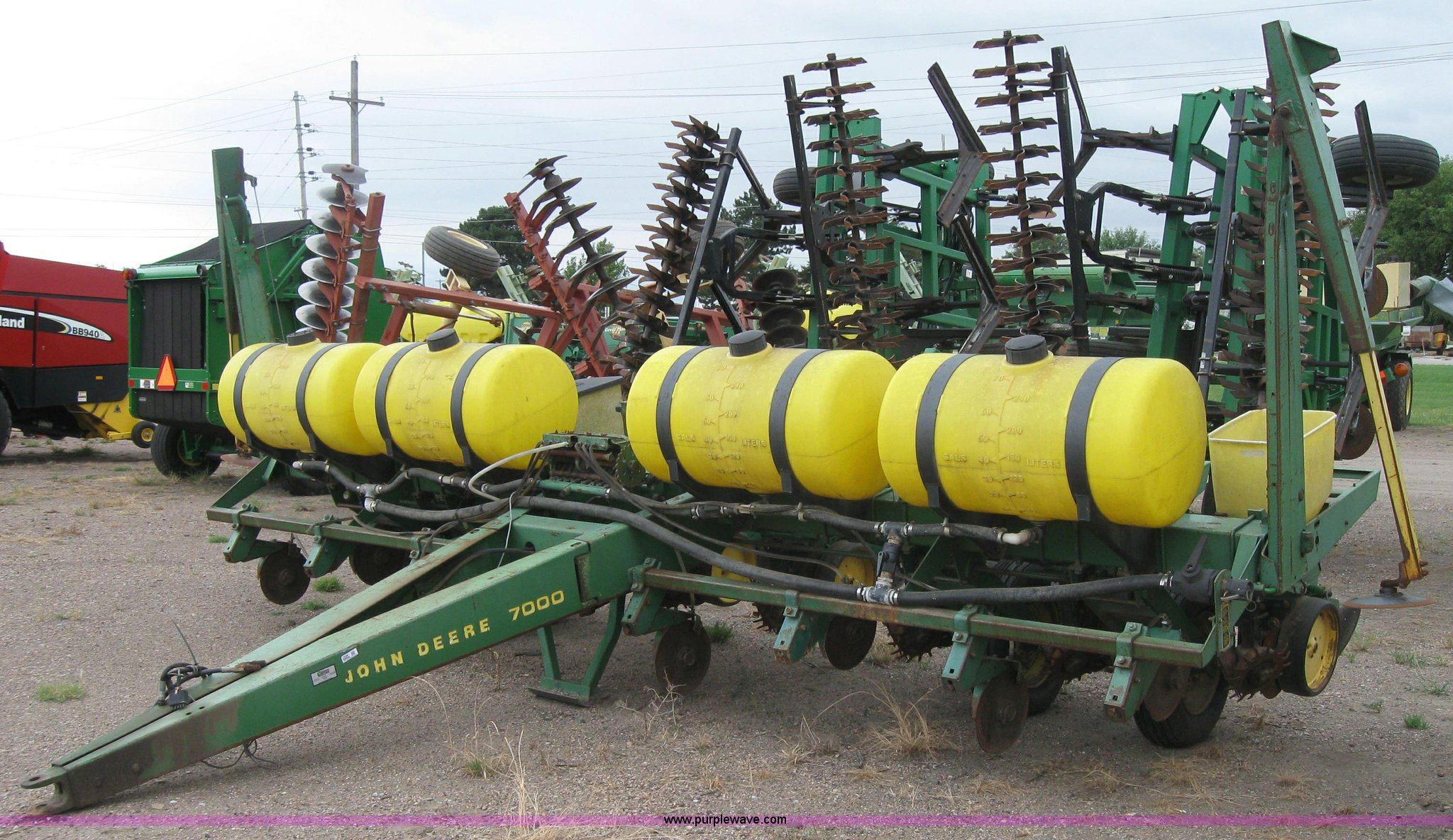 John Deere 7000 eight row planter for sale in Kansas