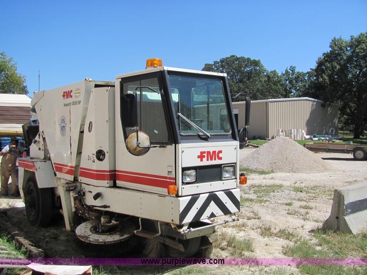 1988 fmc vanguard v3000 street sweeper item 6832 sold s rh purplewave com FMC Loaders FMC Commander 3.0