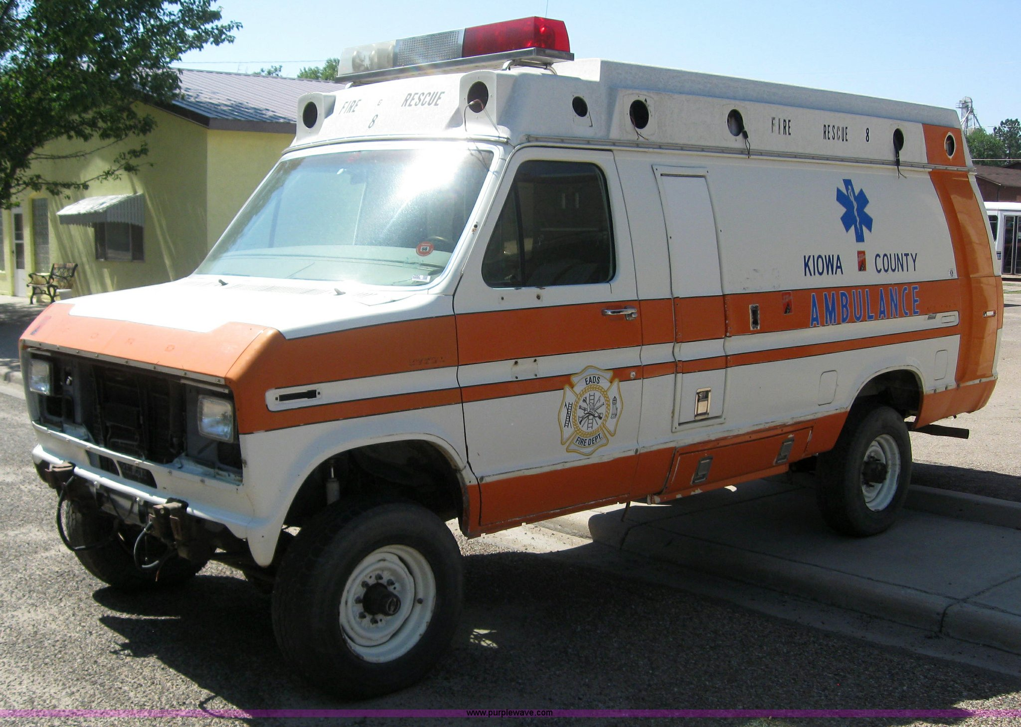 1980 Ford Chatoau Ambulance Item 2982 Sold October 12 G