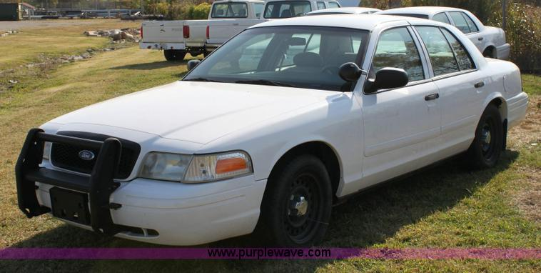 Ford Crown Victoria Police Interceptor Item SO - 2001 crown victoria