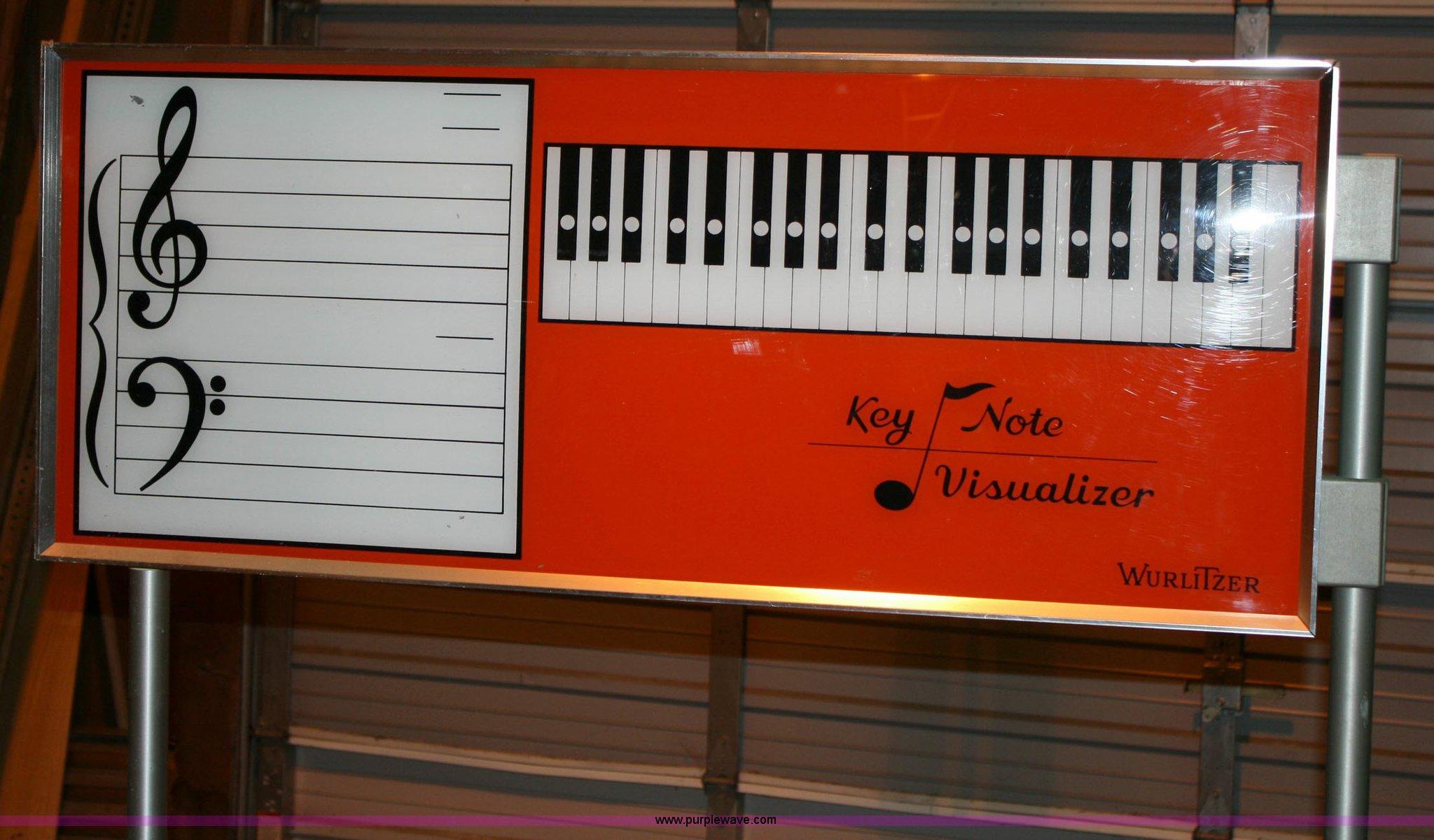 Wurlitzer classroom electric piano with keyboard visualizer