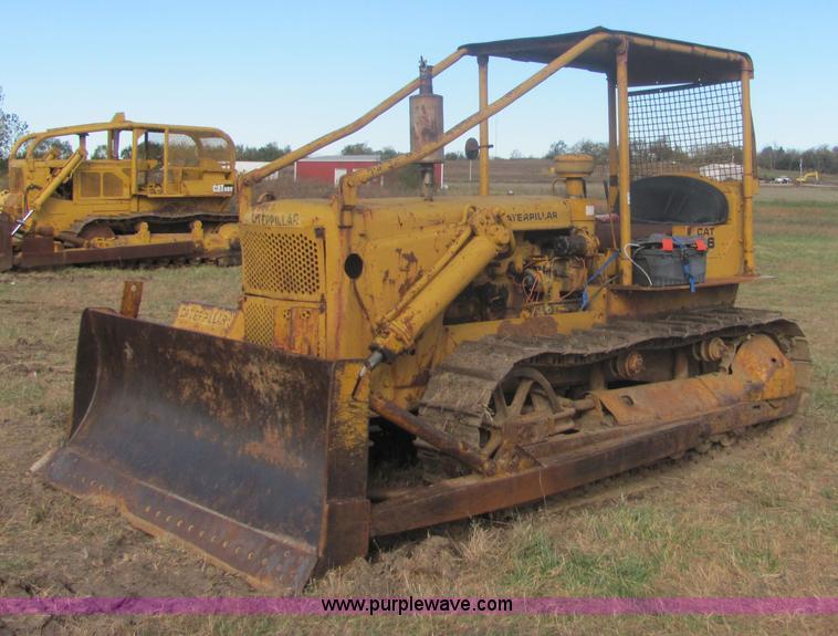 Caterpillar D6 8U dozer | Item 6668 | SOLD! November 18 Cons