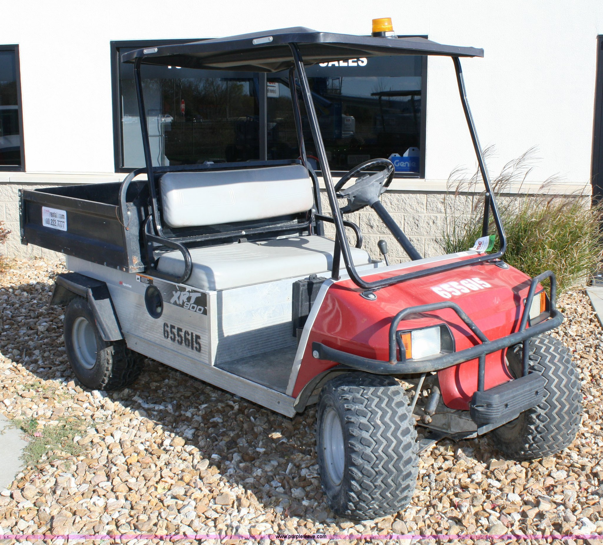 4730 image for item 4730 2006 Ingersoll Rand XRT-900 club car