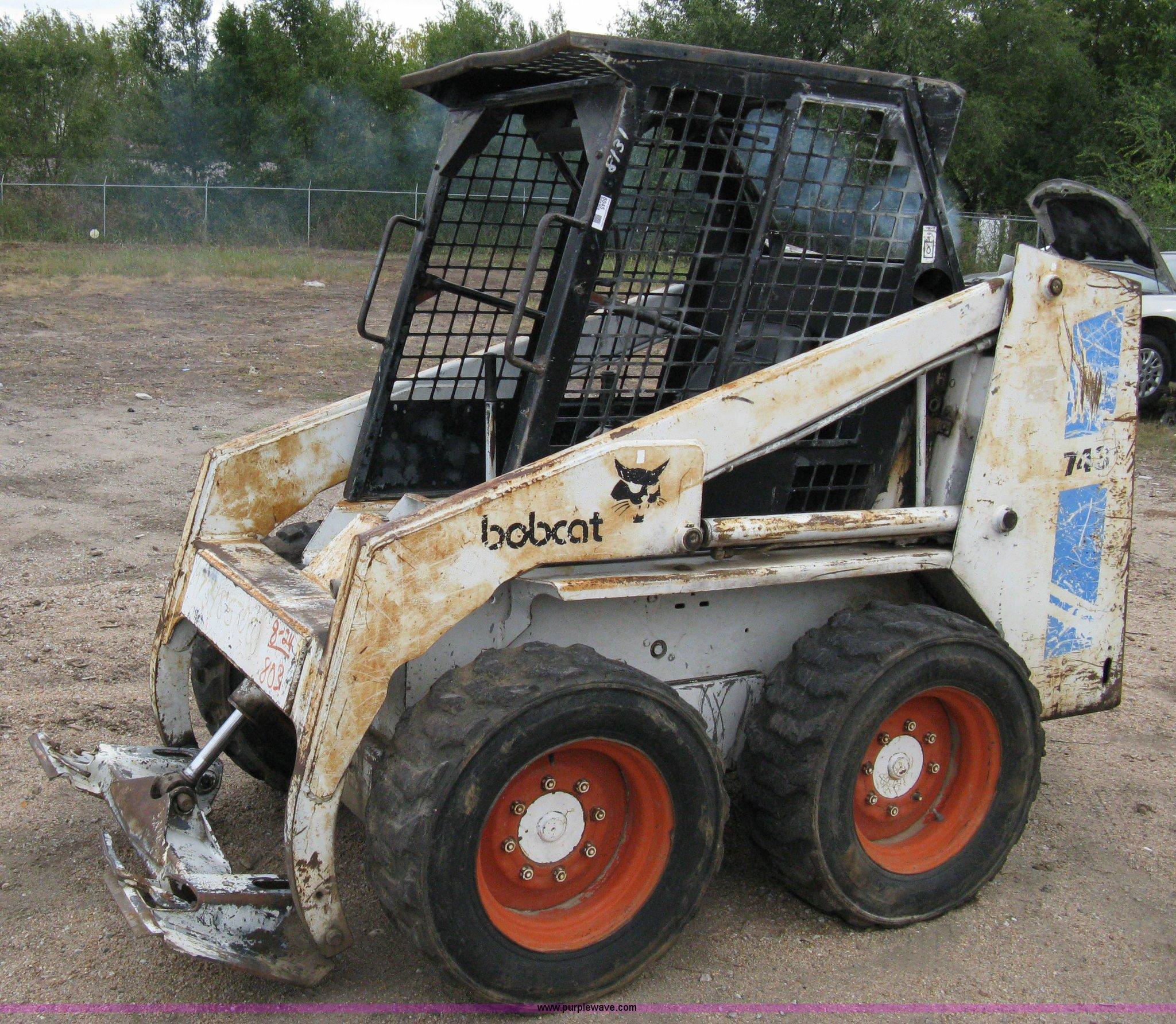 1990 Bobcat 743b Skid Steer Item 8045 Sold November 18