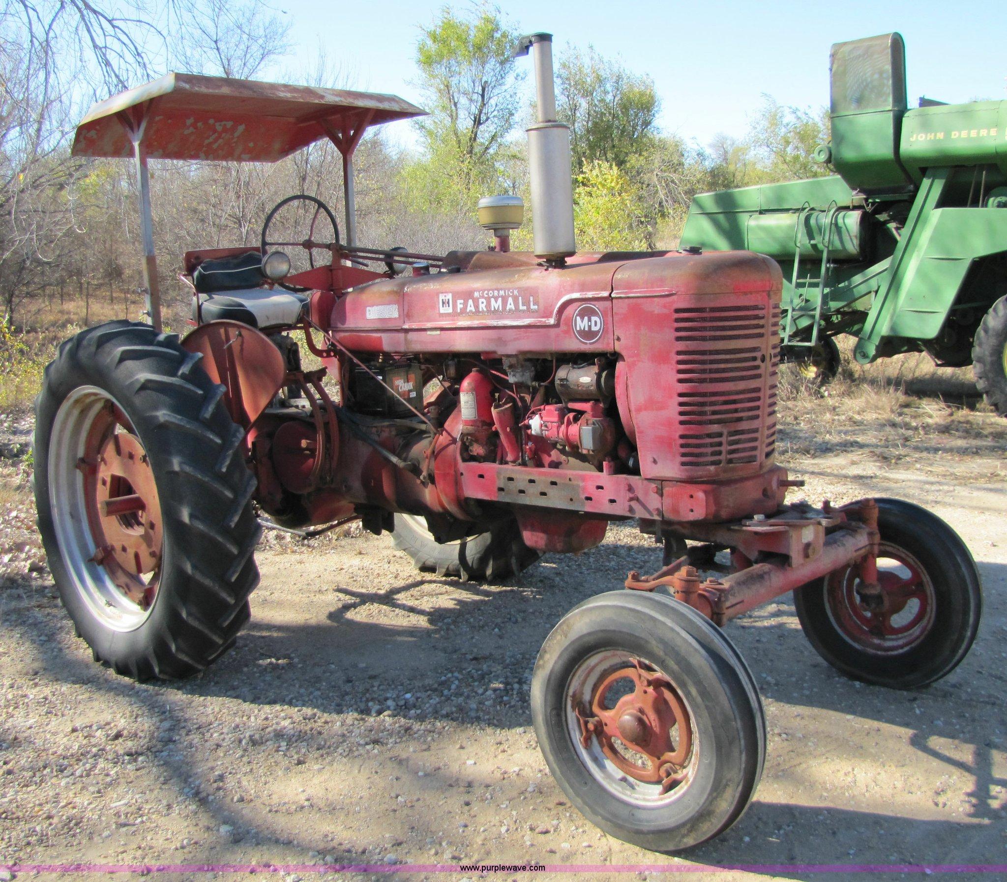 International Farmall MD tractor Item 5154