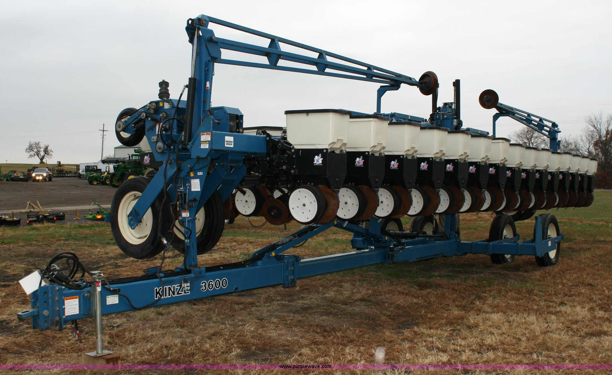 Kinze 3600 16 31 Twin Line Planter Item 4720 Sold Decem