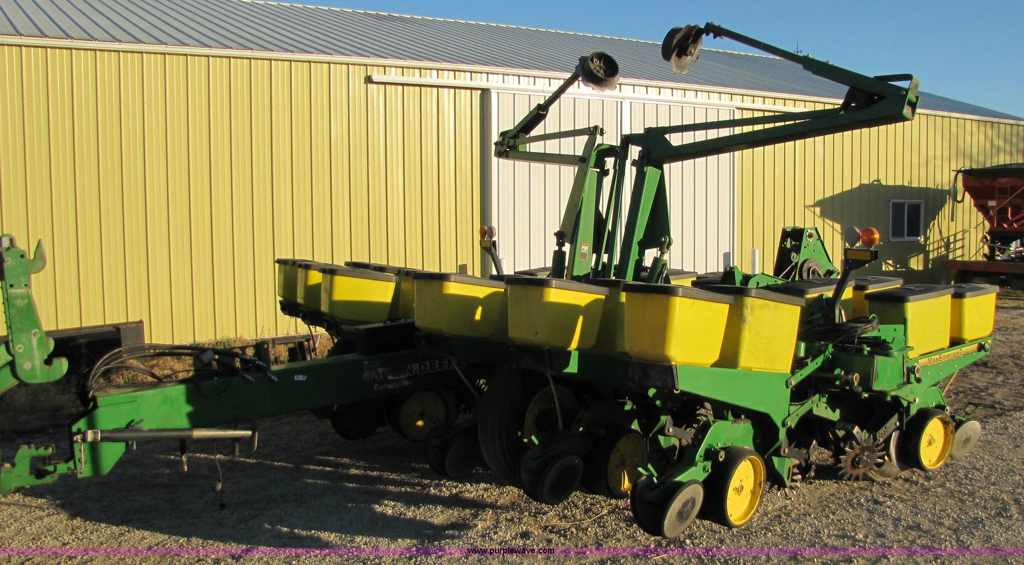 John Deere 1760 Conservation Max Emerge 2 Planter Item 531