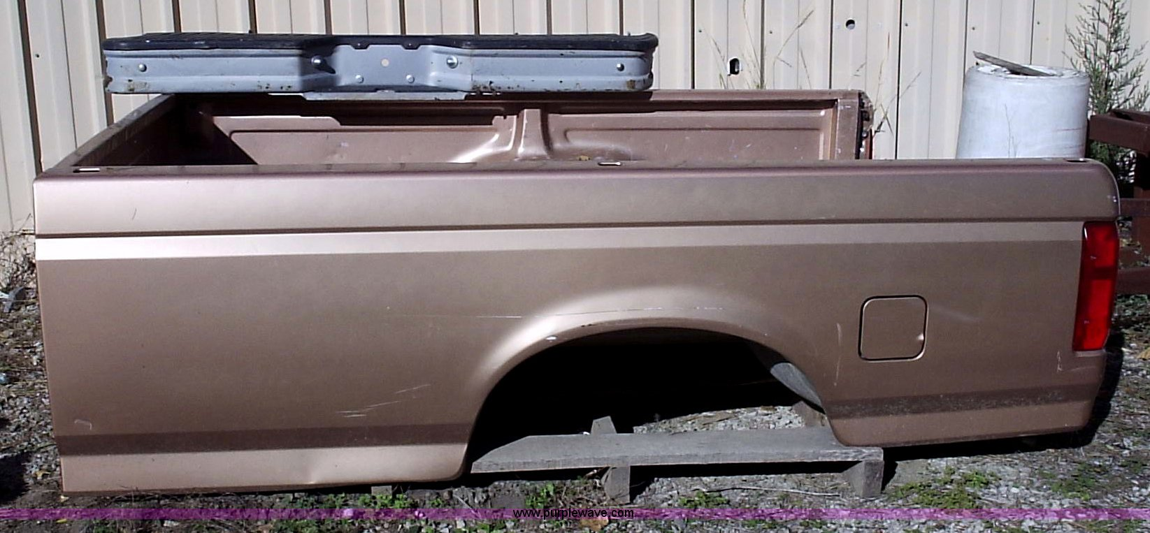 1996 ford f150 bed size