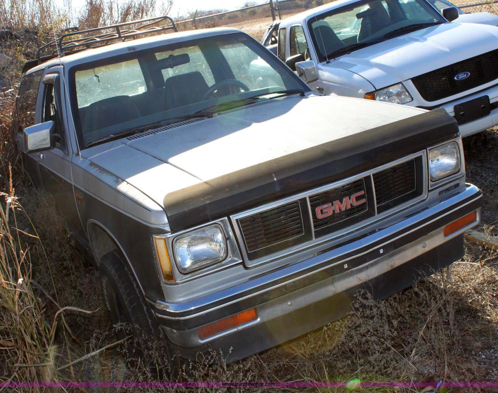 1984 GMC Jimmy S15 | Item 6384 | SOLD! December 14 Governmen