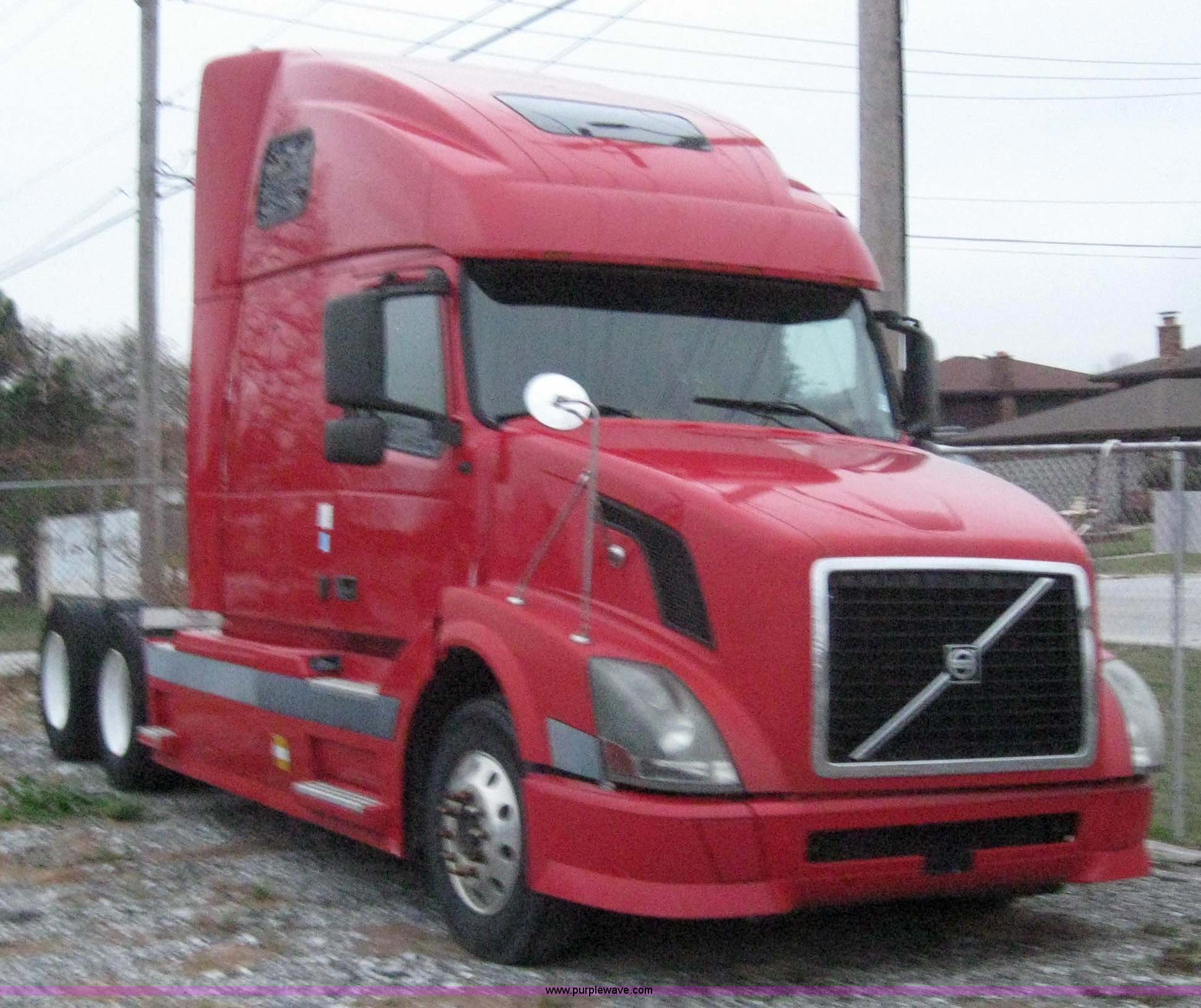 2004 Volvo Vnl Semi Truck Item 3071 Sold December 16 Tr Dash Wiring Image For